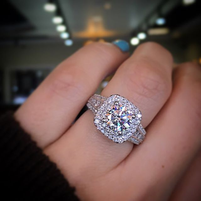 difference between wedding ring and engagement rings - Extravagant Wedding Rings