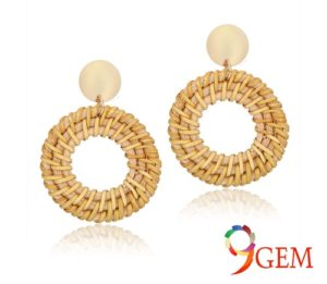 Statement Earrings To Highlight The Face